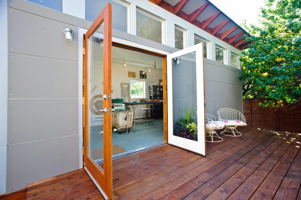 Backyard sheds studios storage home office sheds for Modern office shed